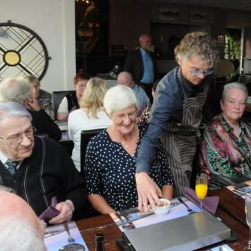 Diner voor oudere alleenstaanden